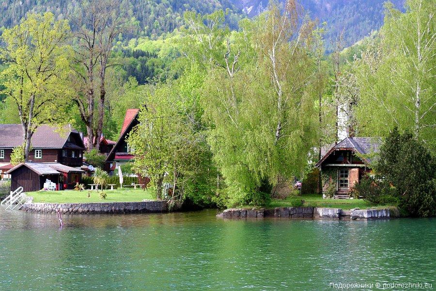 Домики на озере Вольфгангзе