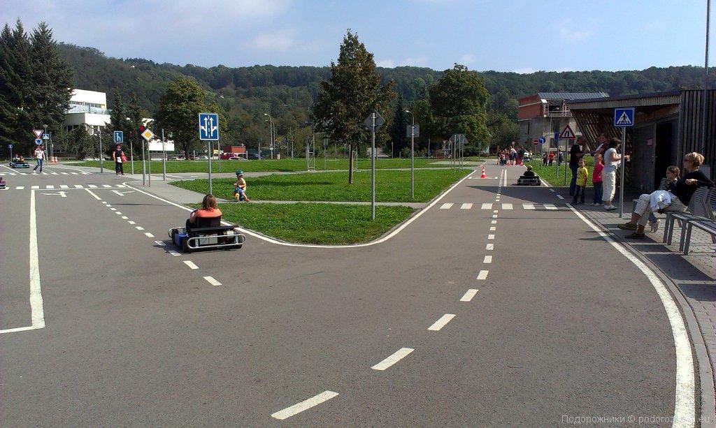 Развязки на детской транспортной площадке