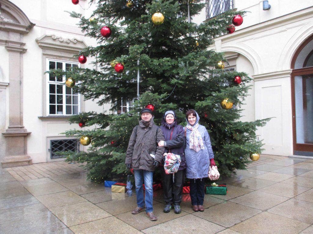 Наши туристы в Брно: Александр, Ольга, Александр