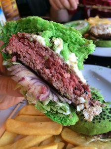 В Зеленый четверг и сэндвич зеленый. Пасхальные чешские традиции.