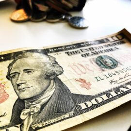 Откуда пошли доллары?