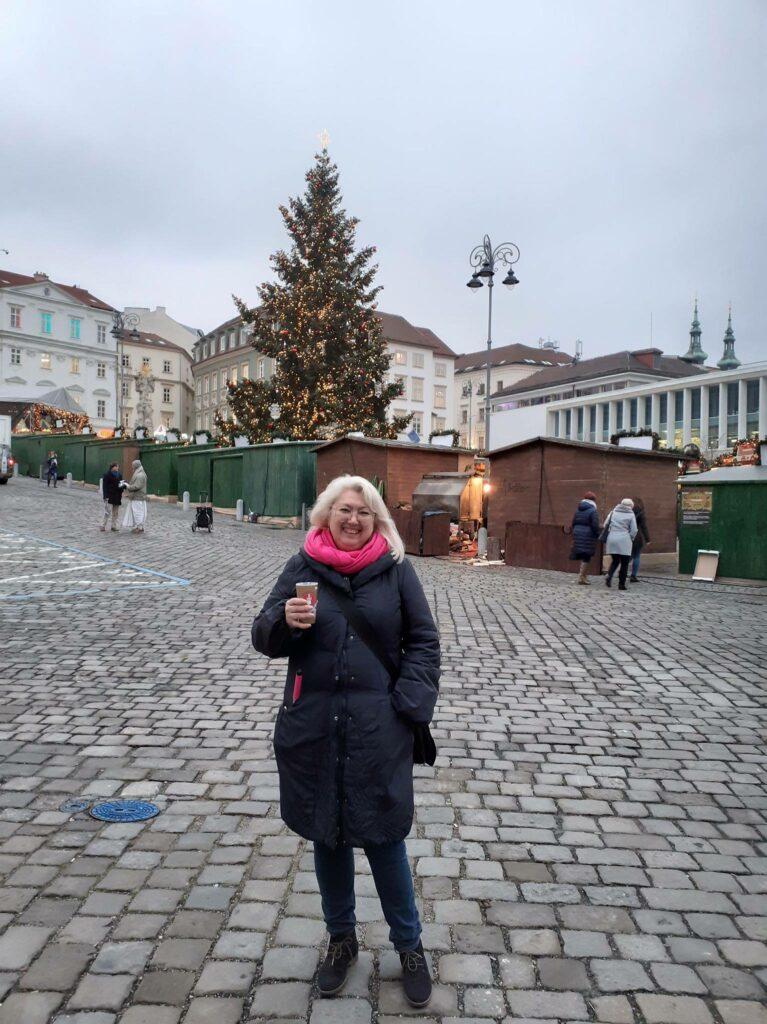 Наша туристка Лейла на экскурсии в Брно